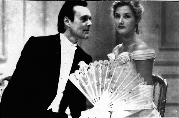 lady windermere s fan and a good women coparison Lady windermere's fan, a play about a good woman is a four-act comedy by oscar wilde, first performed on saturday, 20 february 1892, at the st james's theatr.